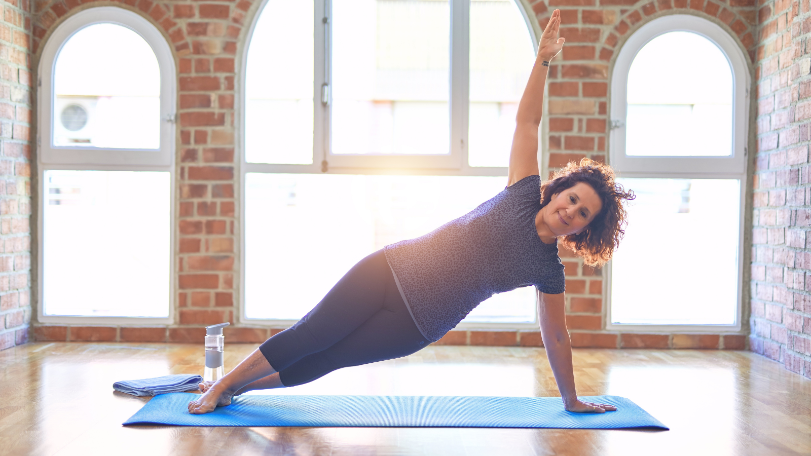 How to find strength and grace in Side Plank yoga Pose (Vasisthasana)