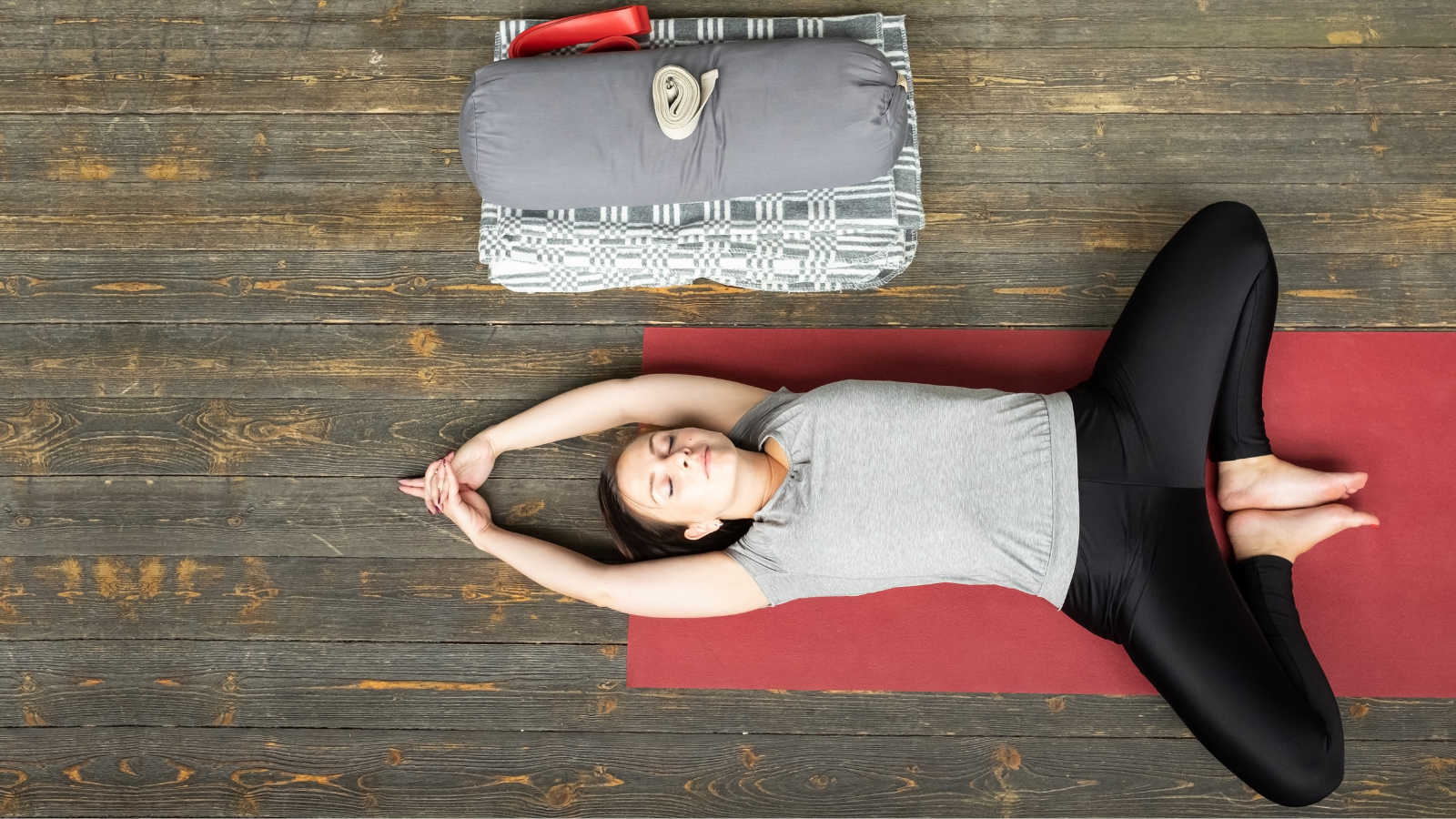 The benefits of resting in Reclined Butterfly yoga Pose (Supta baddha konasana) to help grief